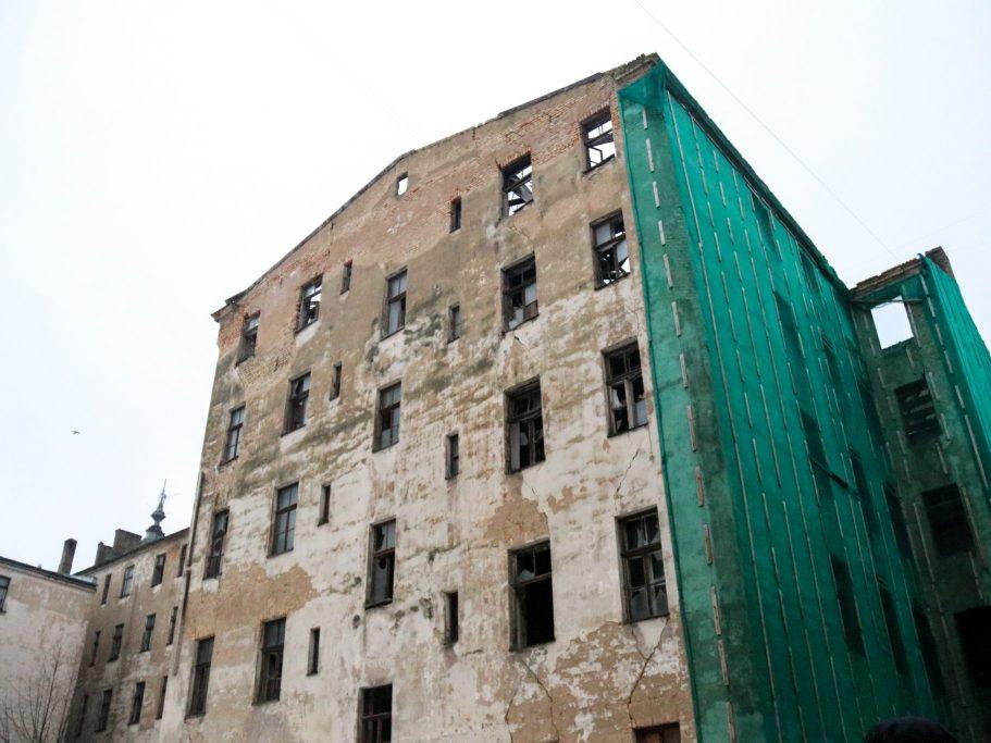 Vīlandes ielas 11 namu klasificē kā A kategorijas graustu; dome gatavos lēmumu par piespiedu sakārtošanu