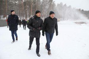 """Mežaparka Lielās estrādes skatītāju laukā ierīkotais """"Rīgas sniega parks"""" aicina izbaudīt ziemas sportiskās aktivitātes"""