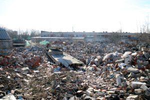 Apzinās nelegālās izgāztuves Rīgā; īpašniekiem uzdos sakopt izgāztuvi Kurzemes prospektā 3E