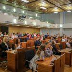 Rīgas pašvaldība arī nākamgad vasaras brīvlaikā nodarbinās jauniešus