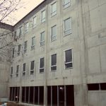 Rīgas Angļu ģimnāzijas Zvārdes ielā 1, Rīgā, piebūves būvniecība, nodrošinot ergonomiskas mācību vides ierīkošanu un inovatīvu informācijas un komunikācijas tehnoloģiju risinājumu ieviešanu