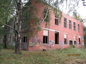 Pieņem lēmumu par trīs vidi degradējošu būvju Zasulauka ielā 31 sakārtošanu