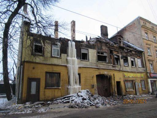 Rīgas dome uzdos īpašniekiem sakārtot graustus Matīsa ielā 54 un Pētersalas ielā 6